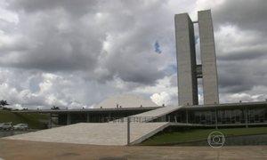 Câmara aprova pedido de urgência para projeto que regula terceirização