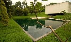 Maior museu a céu aberto do Brasil mistura arte com natureza em Minas Gerais