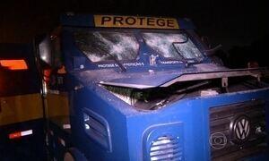 Bandidos matam motorista para provocar acidente e roubar carro-forte