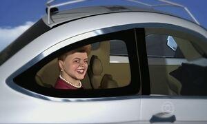 Dilma curte bastante o passeio em carro sem motorista