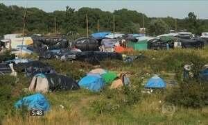 Política de David Cameron sobre questão dos refugiados é criticada