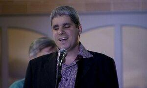Jovem cego e autista supera desafios, entra para faculdade e vira tenor
