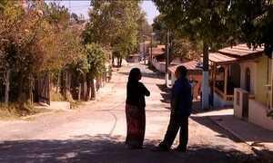 Menor cidade do país tem cerca de 800 moradores e segue encolhendo