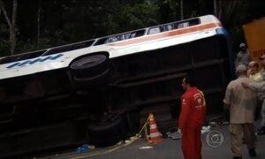 Acidente com ônibus mata 15 e deixa mais de 60 feridos em Paraty (RJ)