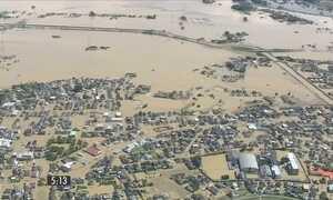 Três pessoas morreram e mais de 25 desaparecem depois de inundações