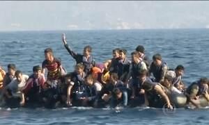 Naufrágio na costa da Grécia mata menina síria de 5 anos