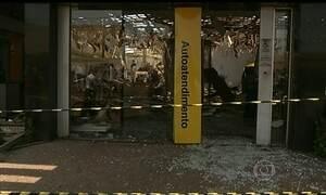 Bandidos atacam caixas eletrônicos em GO e RS