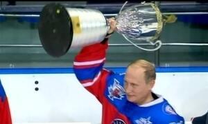 Presidente da Rússia comemora aniversário com jogo de hóquei