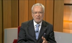 Alexandre Garcia comenta dificuldade com o Simples Doméstico