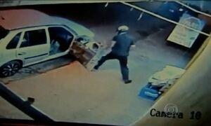 Câmeras de loja de conveniência registram tentativa de assassinato em Campo Grande