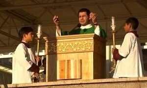 Missas em igreja no Paraguai são feitas nas duas línguas oficiais do país