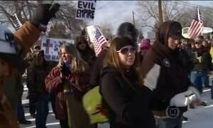 Fazendeiros armados invadem área pública nos EUA durante protesto contra o governo