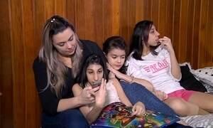 Mãe de duas adolescentes com microcefalia dá conselhos e dicas