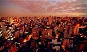 Paulistanos celebram São Paulo contando o que veem pelas janelas