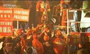 TV chinesa divulga imagens de mineiros que ficaram presos por 36 dias