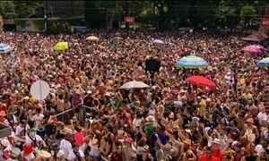 Paulistas se rendem ao carnaval de rua e blocos animam a folia
