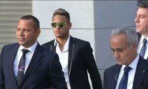 Neymar presta depoimento à Justiça espanhola