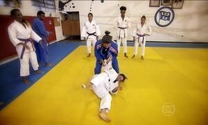 Foliões praticam modalidade das Olimpíadas