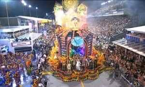Veja como foi a primeira noite de desfile do Grupo Especial em São Paulo