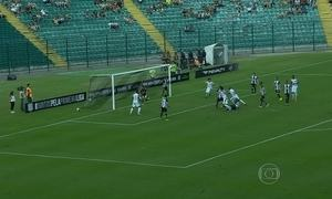 Figueirense vence o Atlético-MG por 2 a 1 na Copa da Primeira Liga