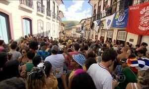 Cidades históricas de Minas Gerais atraem milhares de foliões