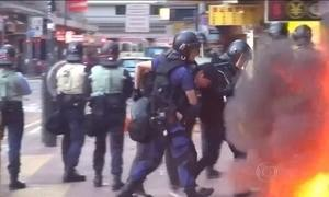 Conflito envolve polícia e vendedores de rua em Hong Kong