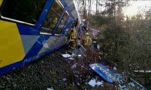 Acidente com dois trens na Alemanha deixa mortos e feridos