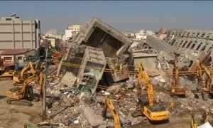 Presos responsáveis pela construção do prédio que desabou em Taiwan