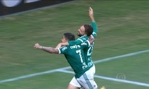 Palmeiras vence o Rosário Central debaixo de chuva e é líder do grupo na Libertadores