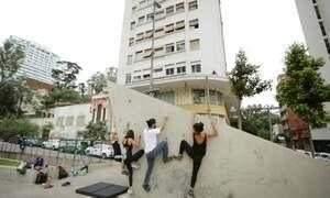 Hoje é dia de escalar: escalada urbana