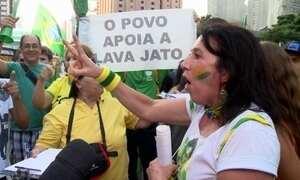 Crise política leva brasileiros às ruas e provoca discussões em Brasília