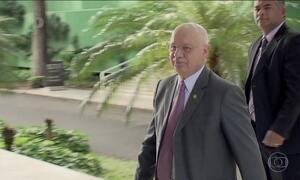 STF deve analisar se Cunha pode assumir o governo, diz Zavascki