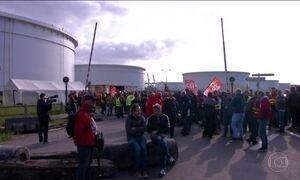 Protestos contra a reforma trabalhista na França atingem refinarias