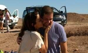 Casal brasileiro escolhe o deserto do Saara como cenário de lua de mel
