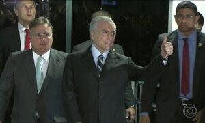 Michel Temer discute com líderes do Congresso limite de gastos públicos