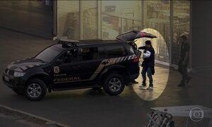 Investigado na Operação Custo Brasil, advogado se entrega