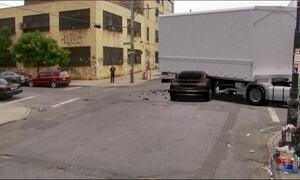 Homem morre em acidente com seu carro que anda sozinho