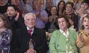 'Carinho da família': gêmeos de 100 anos revelam segredo da longevidade