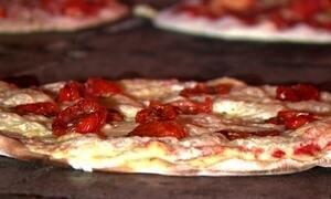 Fantástico mostra os entregadores de pizza mais malucos do Brasil