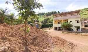 Moradores de Barra Longa ainda sofrem com rompimento de barragem
