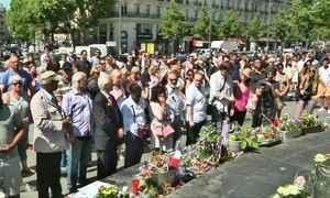 França faz um minuto de silêncio pelos mortos de Nice