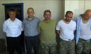 Governo turco aumenta perseguição aos acusados de tentativa de golpe