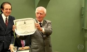 Ignácio de Loyola Brandão ganha prêmio da ABL pelo conjunto da obra