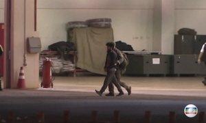Suspeitos de terrorismo são levados para presídio de segurança máxima