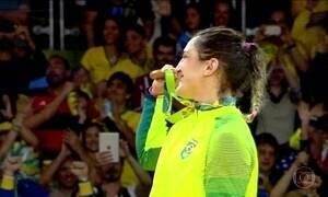 Judoca Mayra Aguiar ganha medalha de bronze para o Brasil