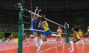 Brasil vence Rússia no vôlei feminino e enfrenta China nas quartas de final