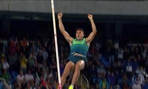 Thiago Braz ganha ouro e é novo recorde olímpico no salto com vara