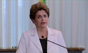 Dilma Rousseff fala na sessão desta segunda (29) no Senado Federal