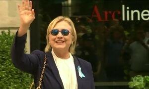 Hillary faz tratamento para pneumonia e é acusada de falta de transparência