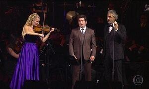 Andrea Bocelli canta 'Ave Maria' com Daniel no Santuário de Aparecida (SP)